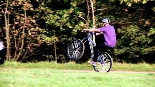 Трюки на горном велосипеде  Как ездить на заднем колесе(Наш канал для тех, кто привык к скорости, движению. Если отдых