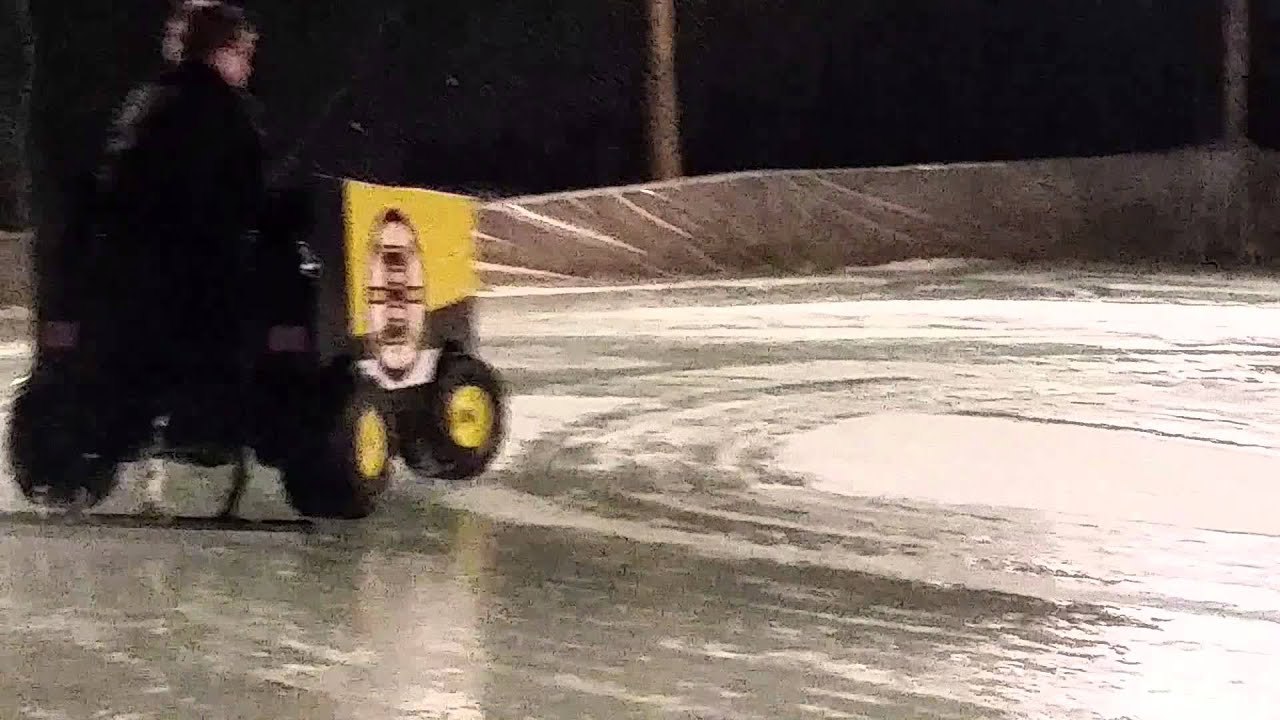 Backyard Rink Zamboni : Boston Bruins Back Yard Rink Zamboni Built by Al Gulachenski  YouTube