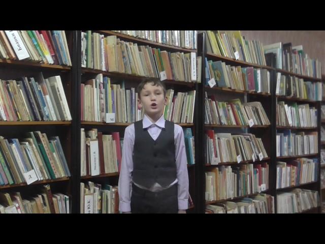Изображение предпросмотра прочтения – АлексейСапельников читает произведение «Что такое хорошо и что такое плохо» В.В.Маяковского