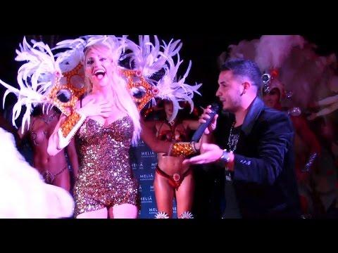 El blooper de Victoria Xipolitakis en pleno festejo