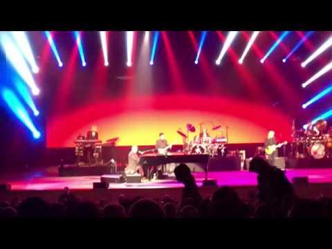 Elton John - Philadelphia freedom - live in Moscow, 14/12/2017