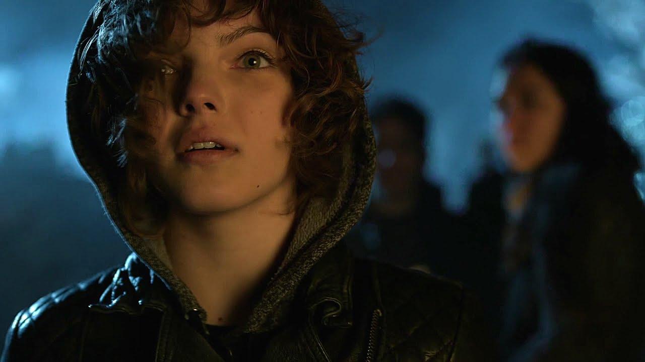 Selina Kyle   Meeting Fish Mooney [Gotham 1x22] 1 / 5 ...
