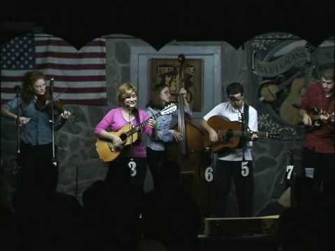 Red Clay Halo - Valerie Smith & Liberty Pike Featuring Becky Buller
