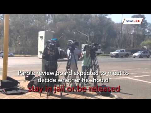 Media descends on Pretoria prison for Pistorius