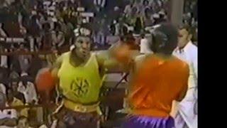 Скачать Майк Тайсон в 15лет на любительском ринге