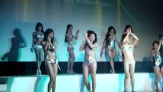 Video QUEEN of QUEENS 2010 - Swimsuit Competition download MP3, 3GP, MP4, WEBM, AVI, FLV Agustus 2018