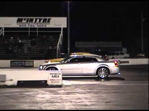 chrysler 300 vs dodge charger youtube. Black Bedroom Furniture Sets. Home Design Ideas