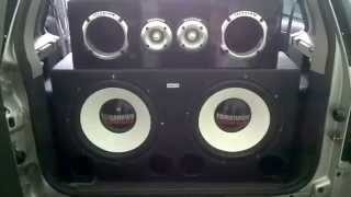 Tomahawk Turbo Bass 15 800 rms  Juca