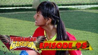 Tim Bola Putri Lagi Main Nih, Seru Banget!! - Tendangan Garuda Eps ...