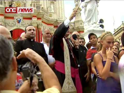 Il-pellegrinaġġ bir-roti tal-Madonna tal-Grazzja.