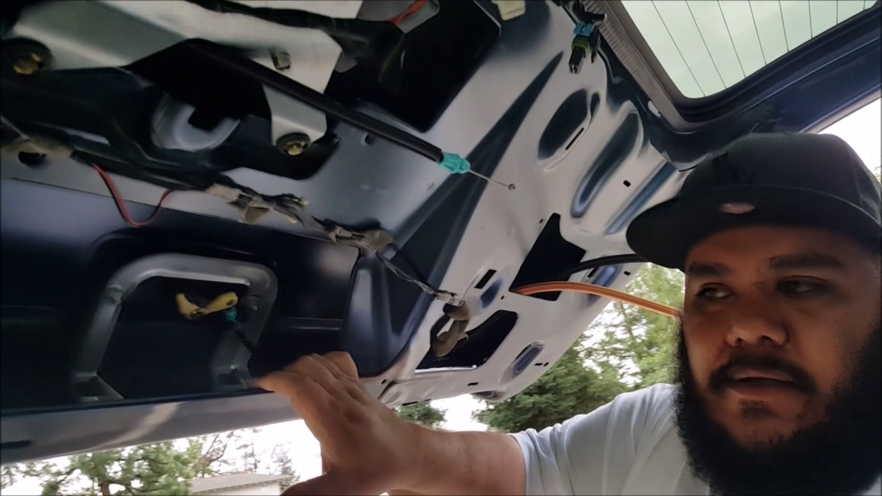 How To Replace A Tailgate Actuator 05 Chevy Suburban