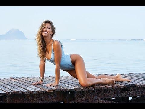 Sexy Kara Del Toro in Mauritius | WorldSwimsuit.com
