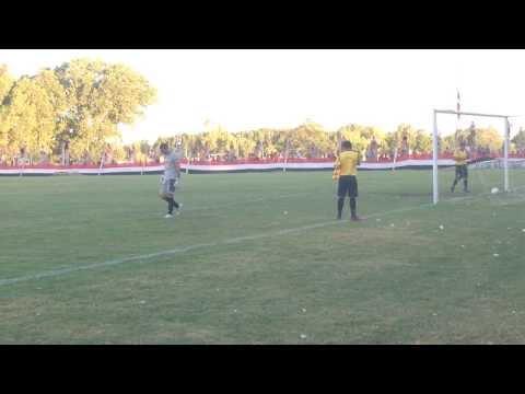 Definicion por Penales . Chacarita vs Alumni Azul 29/12/2013
