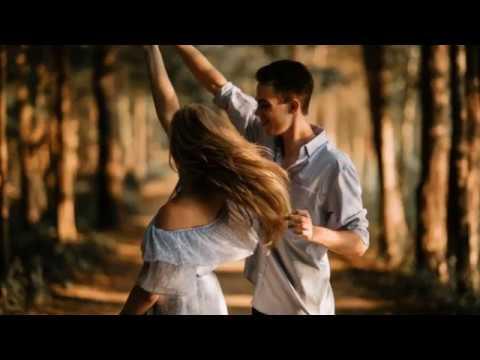 അലകടലായി നിന്നോട് സ്നേഹം പടരുന്നു/Alakadalaayi Ninnode Sneham Padarunnu/Heart Melting Lyrical Video.