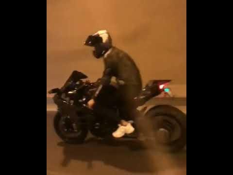 Kawasaki Ninja H2 Tunnel Dope Flyby    Superbikesempire