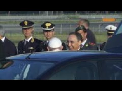 Pope Francis departs for Mozambique