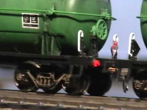 A closer look at Rich's Burlington Northern fuel Tenders 4-30-10.wmv