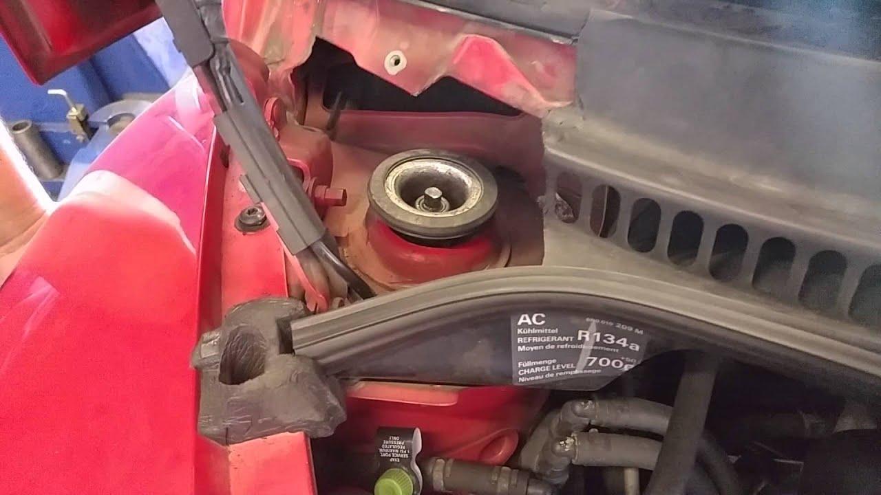 Bad Strut Mount Volkswagen Beetle 98 Youtube