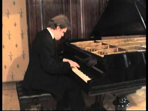 Alexey Chernov Performs Scriabin Impromptu Op.14 No.1