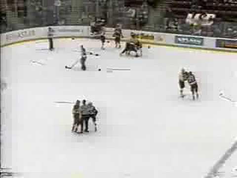 Minnesota Golden Gophers vs Denver Pioneers