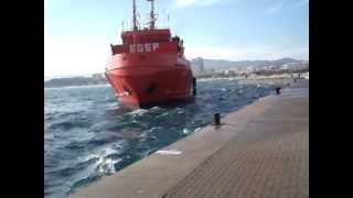 El Punta Mayor atracando en el puerto de Palamós