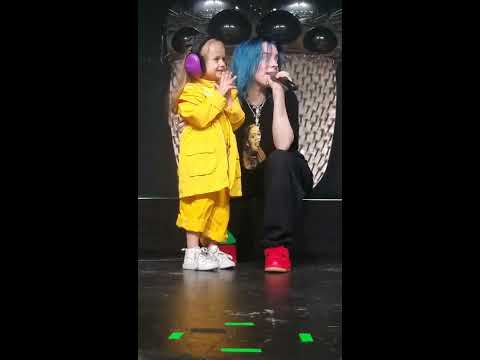 Billie Eilish Brings Young Fan on Stage During Bellyache 11/14 Austin, TX