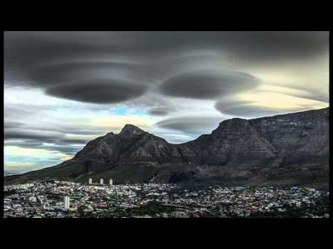 UFOs Over Cape Town Are Actually Stunning Images of Lenticular Clouds