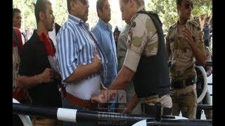 تفتيش ذاتى للنساء تفحص الملابس الداخلية للرجال و بوابات الكترونية بمداخل ميدان التحرير