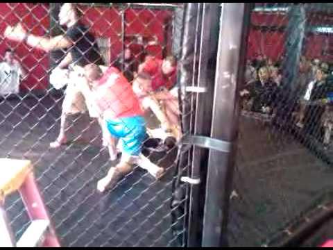 Reggie Dees MMA knockout