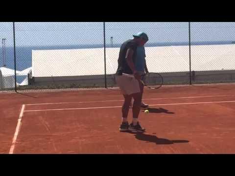 Nadal practica el fútbol-tenis en Montecarlo - 11 Abril 2016