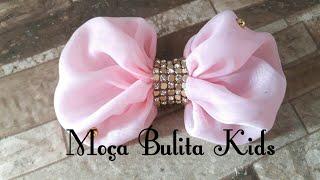 Laço simples com tecido por Janaína Gonçalves Moça Bulita Kids