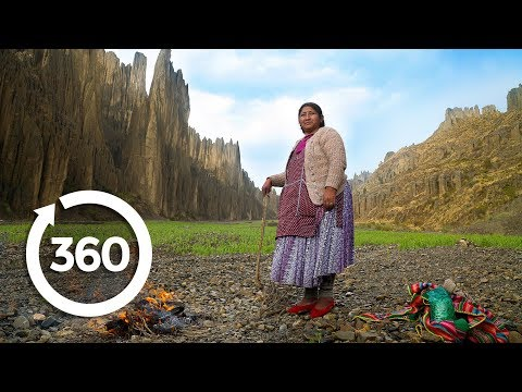 Cast a Spell with a Bolivian Witch | La Paz, Bolivia 360 VR Video | Discovery TRVLR