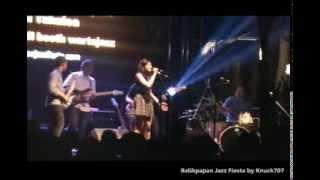 Barry Likumahuwa Project & Benny Likumahuwa feat Monita Tahalea