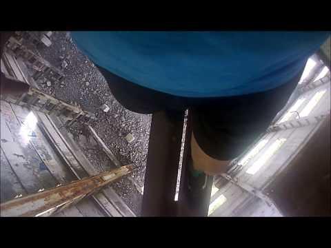Руфер неудачник: ПРОБРАЛСЯ на заброшенное здания ФАК ПАРК | Опасный баланс | Хожу над пропастью