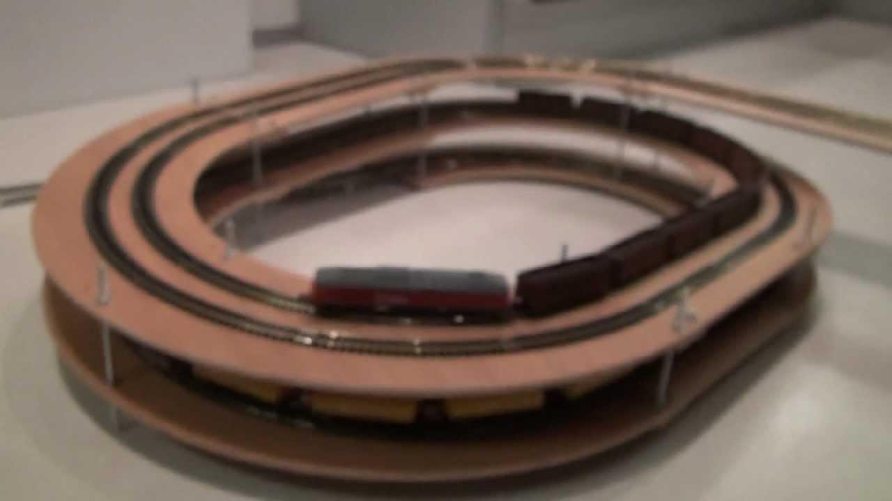ovale Gleiswendel mit 2 1/4 Ebenen - YouTube