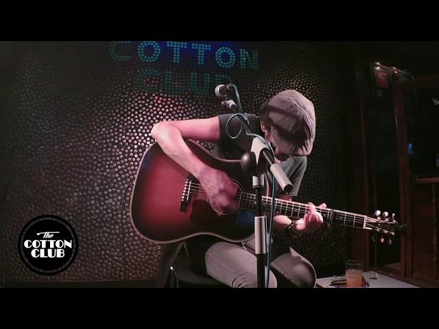 Dani Flaco en directo Cotton Club Bilbao  Salida de emergencia