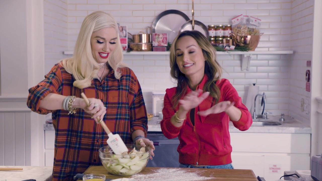 Cooking with Gwen Stefani & Giada De Laurentiis at Williams Sonoma ...