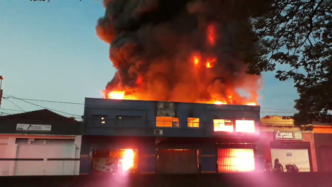 Incêndio em loja na cidade de Ribeirão Preto - SP