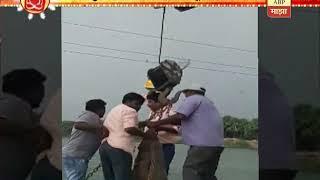 Viral Video | Crane collapsed while Visarjan