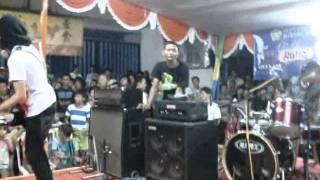 Video EZU live @ Bebas Bicara Kuncian Pademangan Jakarta Utara session 2.mov download MP3, 3GP, MP4, WEBM, AVI, FLV Maret 2018