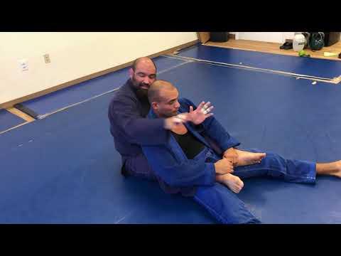BJJ Blackbelt Justin Del Real teaches details to Ezekiel choke from the back!