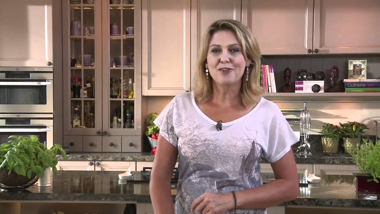 Ewa Wachowicz zaprasza na Dni Fasoli w Zakliczynie  YouTube -> Projekt Kuchni Ewy Wachowicz