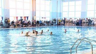 Юные волгоградские синхронистки приняли участие в водном шоу «Алиса в стране чудес»