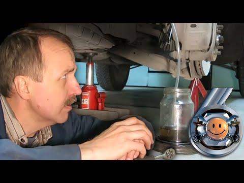 """КАК ОДНОМУ ПРОКАЧАТЬ ТОРМОЗА. Все СПОСОБЫ замены тормозной жидкости #ремонтавто """"Гараж №6"""""""