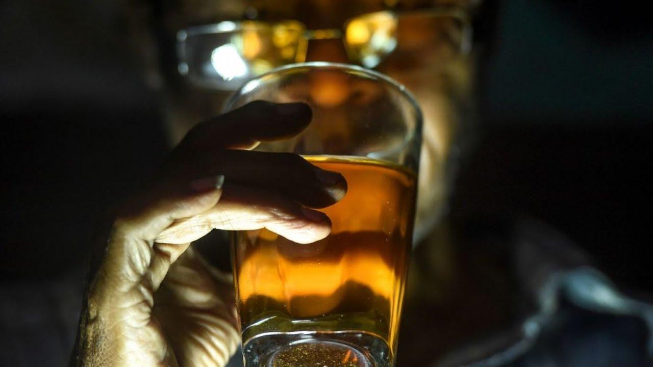 El consumo y dependencia de alcohol ha aumentado en EEUU desde que inició la pandemia