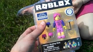 Hholykukingames Unboxes 2 Roblox Toys