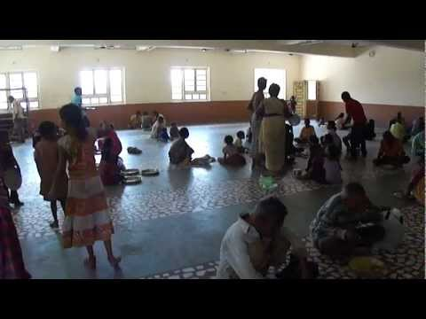 Lunch time at Ramji Mandir, Dudhia Talav, Navsari, Gujarat, India; 23rd February 2011