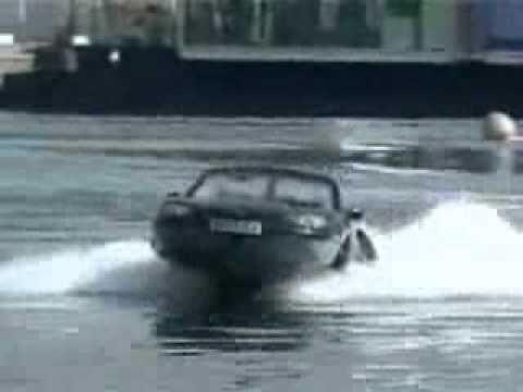 VnExpress   Video ôtô chạy dưới nước   Video oto chay duoi nuoc