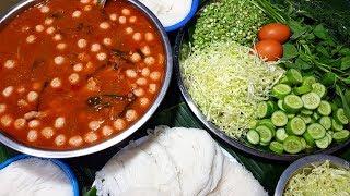 กับข้าวกับปลาโอ 530 : น้ำยาป่าปลากระป๋อง ผักแน่น ตีนเยอะ vermicelli mixed with a canned fish soup