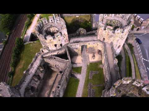 Castles from the Clouds: Conwy Castle / Cestyll o'r Cymylau: Castell Conwy